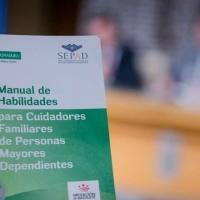 Elaborada en Extremadura una guía para cuidadores familiares de personas mayores dependientes