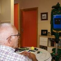 Extremadura, pionera en la atención con robots a personas mayores