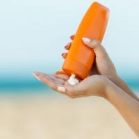 Llega el verano, la playa, el sol... ¡cuidado con el cáncer de piel!