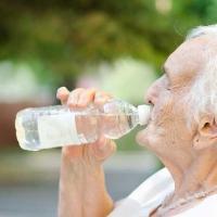 Cómo evitar los golpes de calor en la tercera edad